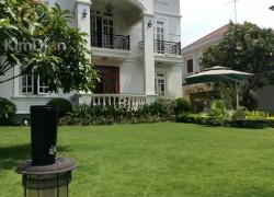 Cho thuê biệt thự Thảo Điền đẹp sân vườn hồ bơi lớn